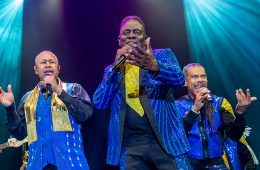 Earth WInd and Fire performing