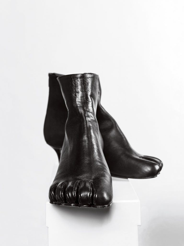 Black boots with individual toes