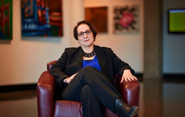 Lori Gross '75