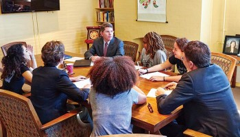 President Herbst, Provost Hicks, and Dean Nelson discuss Colgate For All with student representatives