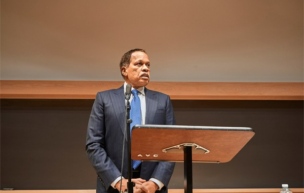 Juan Williams lecturing