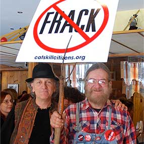 Musician Marc Black '71 protesting hydraulic fracturing.