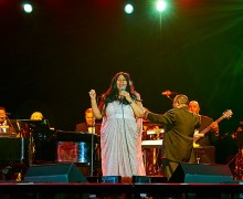Aretha Franklin performs at in Sanford Field House.