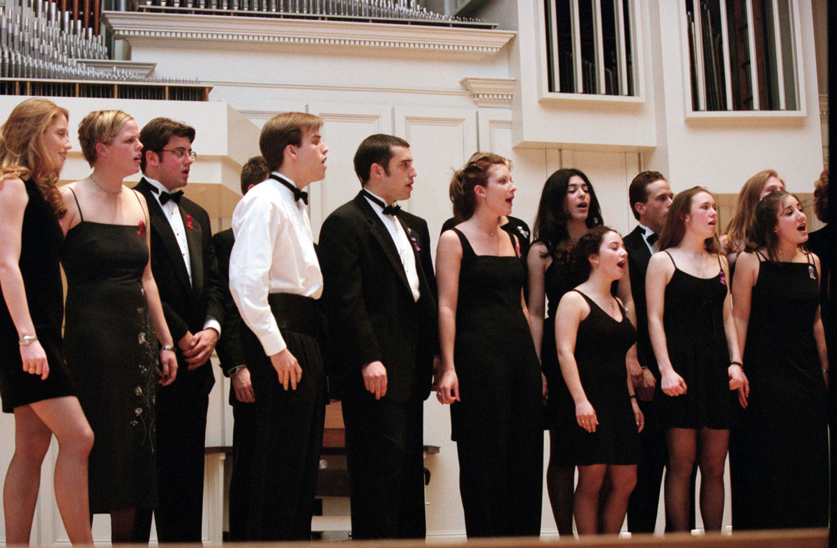 The Dischords perform in Colgate Memorial Chapel
