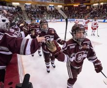 Women's hockey in NCAA semifinals
