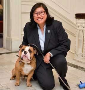 Vicky Chung with Yale mascot