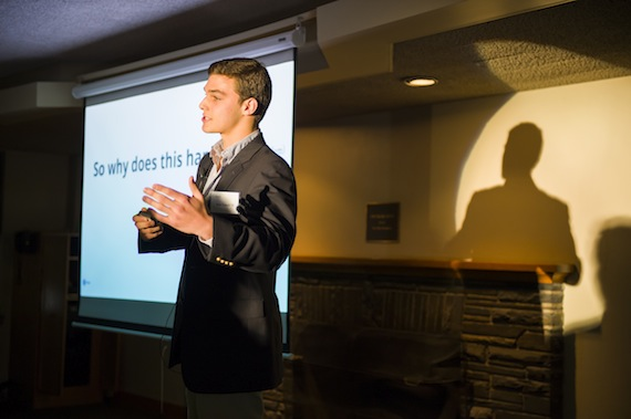 Rob Zetter '15 pitches  Gateswap during Colgate's Entrepreneurship weekend