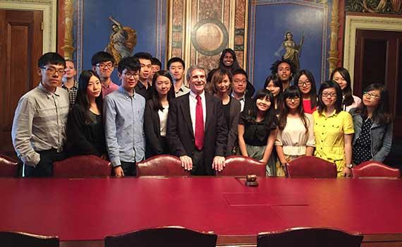 Xiamen Student American Experience program participants meet with former Senate parliamentarian Alan Frumin '68 at the Capitol in Washington, D.C.
