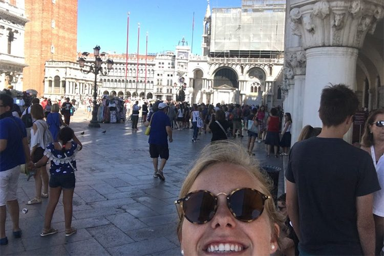 Selfie of Molly Nelson '19 in Venice, Italy