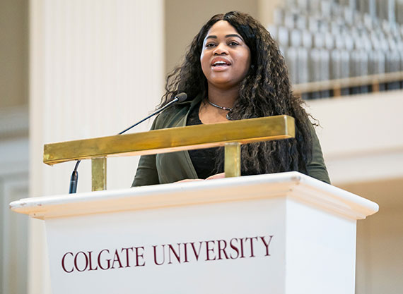 Chinyere Okogeri '18 delivers a speech