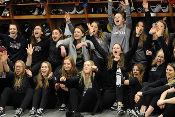 Women's hockey team celebrates their first trip to the NCAA Tournament