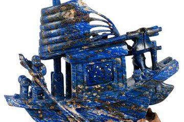 lapis-ship sculpture